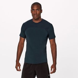 NWT Lululemon License to Train Short Sleeve Shirt